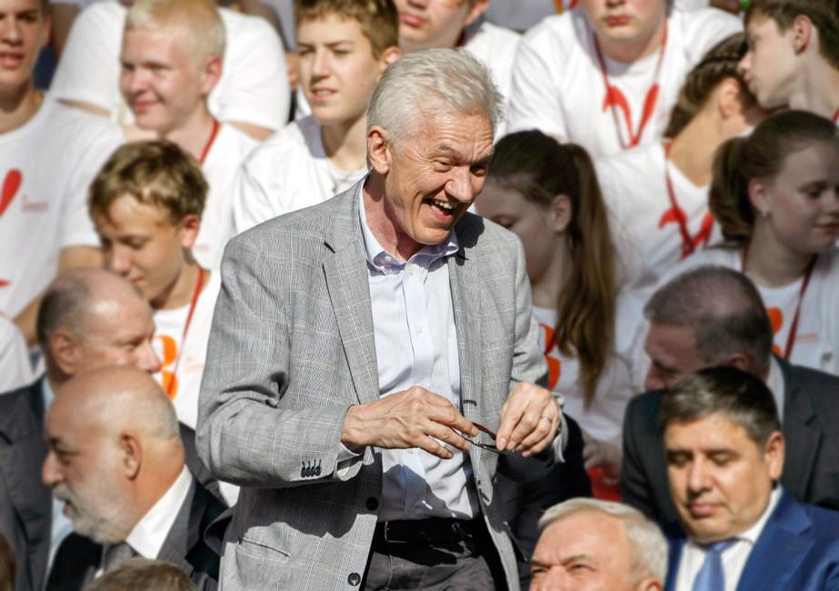 Геннадий Тимченко (вцентре). Фото: Дмитрий Азаров/ Коммерсантъ
