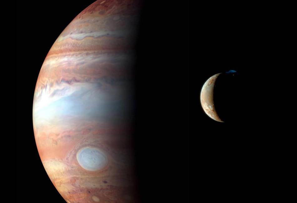 Юпитер иего спутник Ио. Фото: NASA