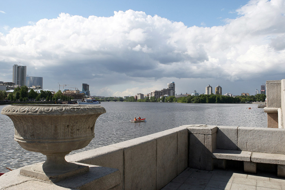 Набережная вЕкатеринбурге. Вид нареку Исеть. Фото: Александр Николаев/ ТАСС