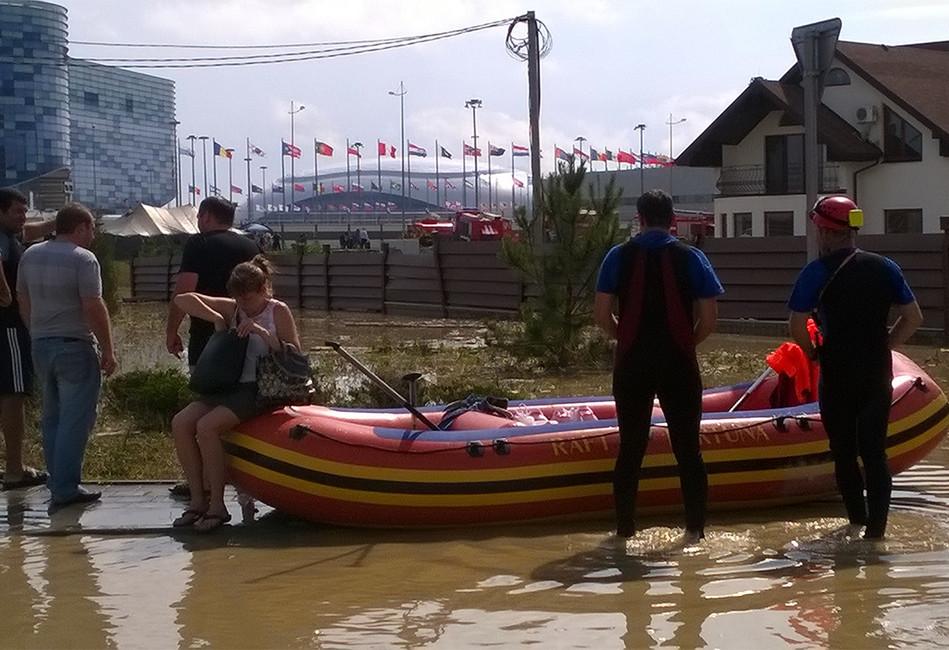 Наводнение впоселке Мирный. Фото: Анна Васильева