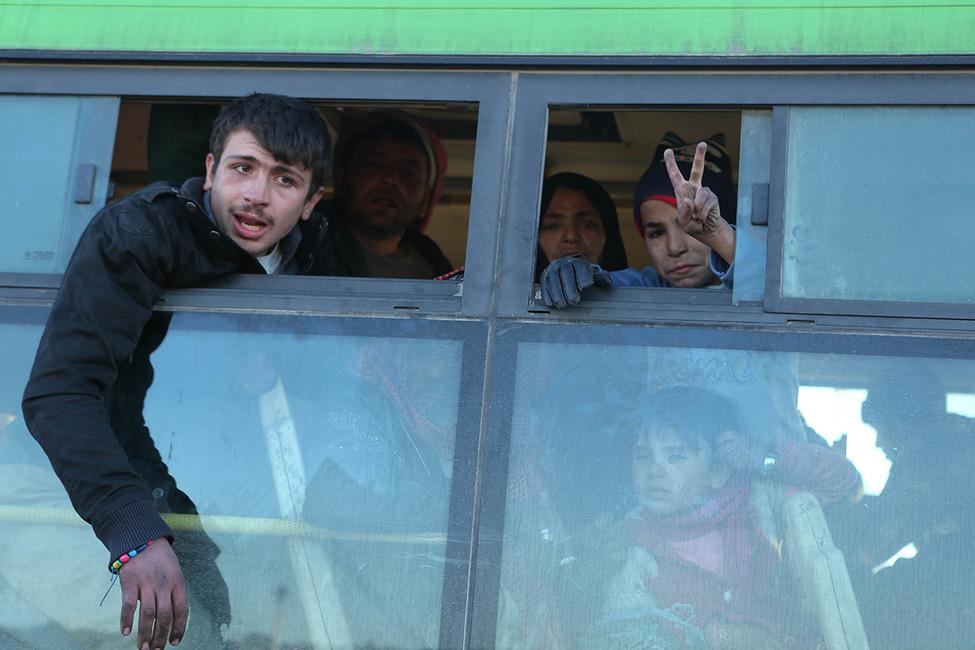 Эвакуация мирных жителей изАлеппо, 15декабря 2016. Фото: Juma Mohammad/ ТАСС