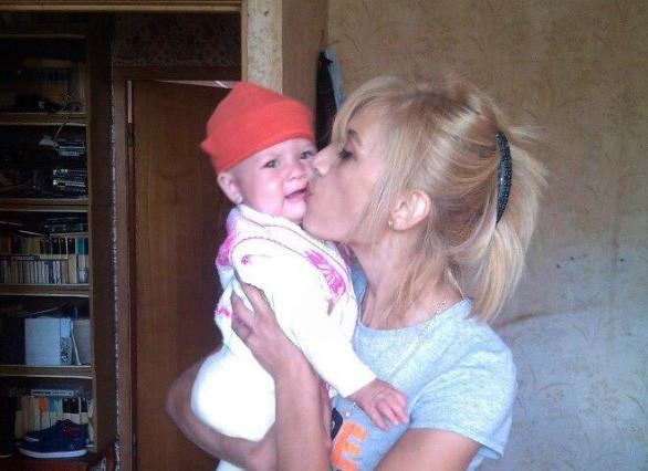 В российской столице полицейские отобрали уженщины годовалую дочь