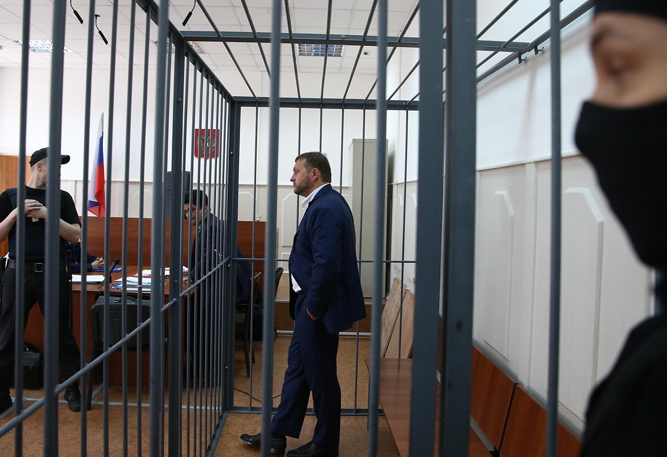 Никита Белых в Басманном суде Москвы, 25 июня 2016 года.
