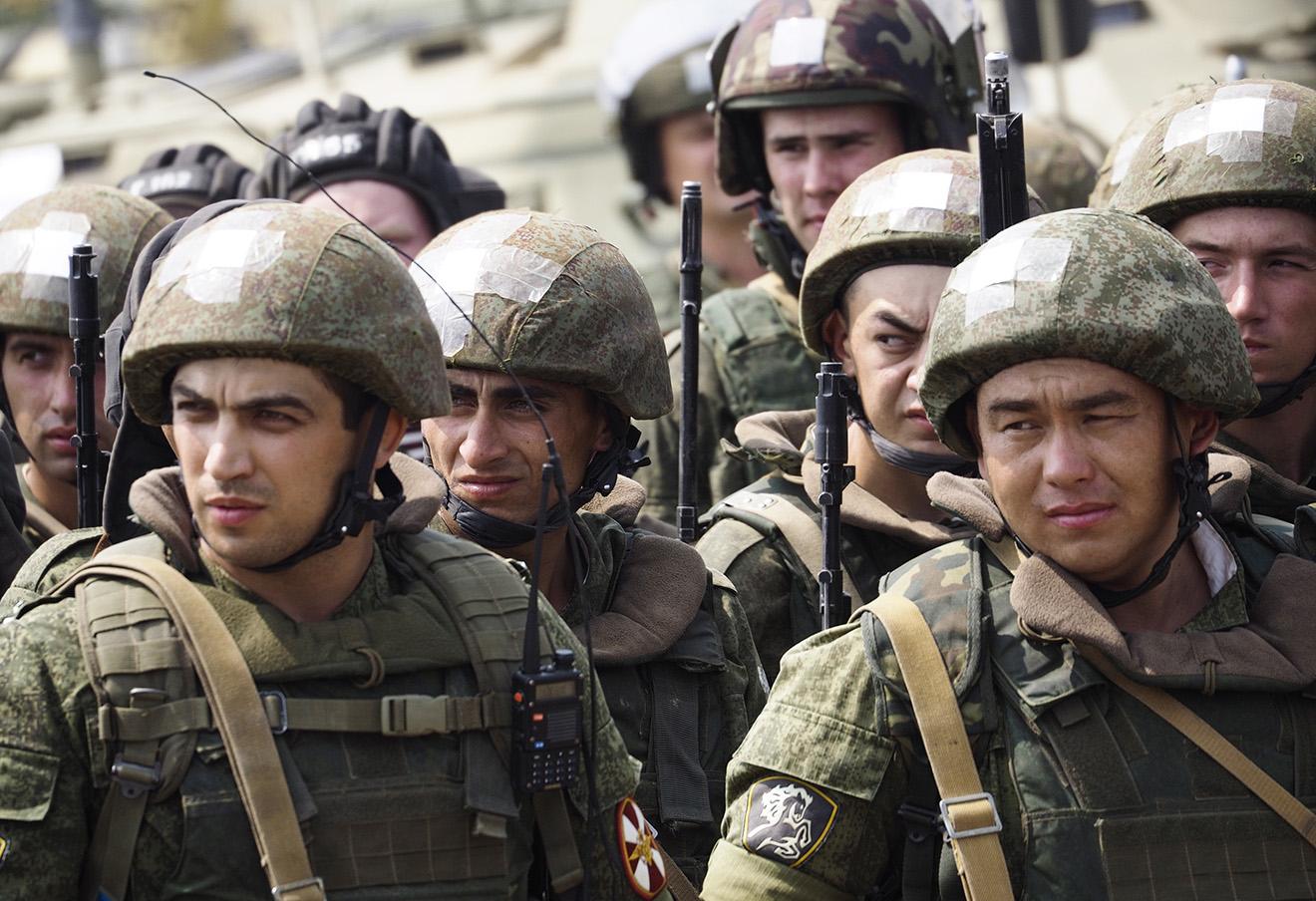 Военнослужащие Нацгвардии во время совместных тактических учений Федеральной службы войск национальной гвардии РФ и подразделений Министерства обороны.