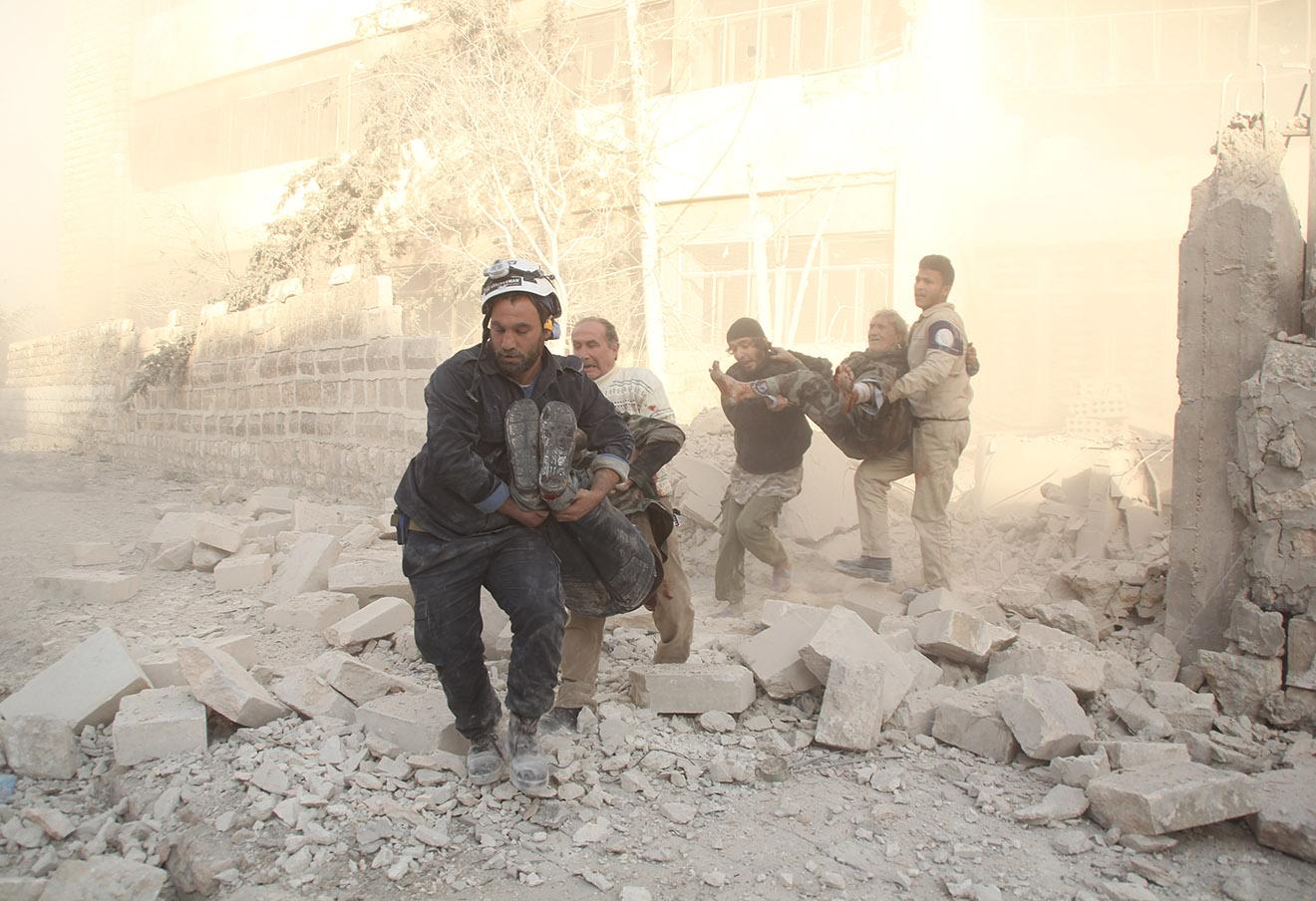 Последствия авиаударов в Алеппо, 20 ноября 2015 года.