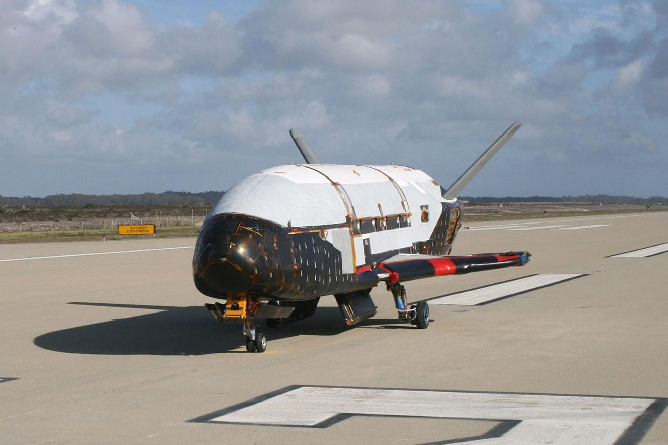 Орбитальный беспилотник Boeing X-37B.