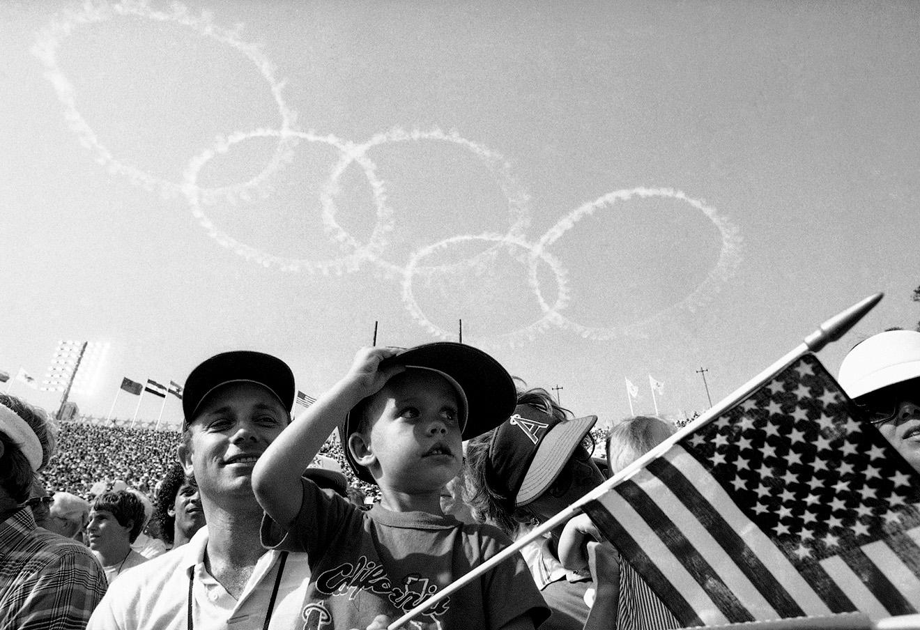 Открытие олимпийских игр в Лос-Анджелесе в 1984 году. Фото: Diether Endlicher / AP