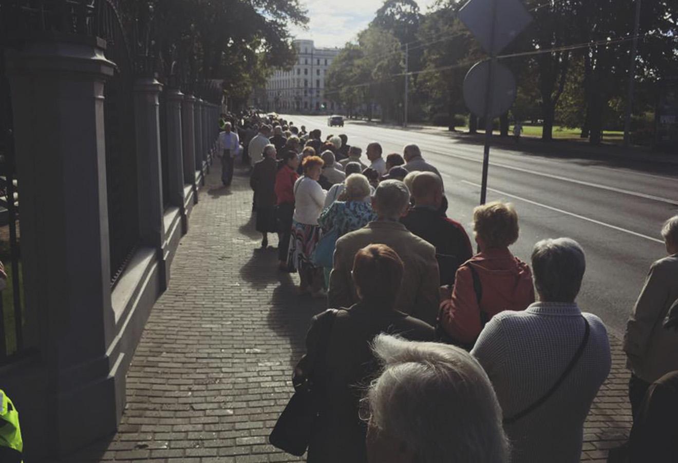 Очередь на избирательный участок в Риге. Фото: Илья Красильщик / Facebook