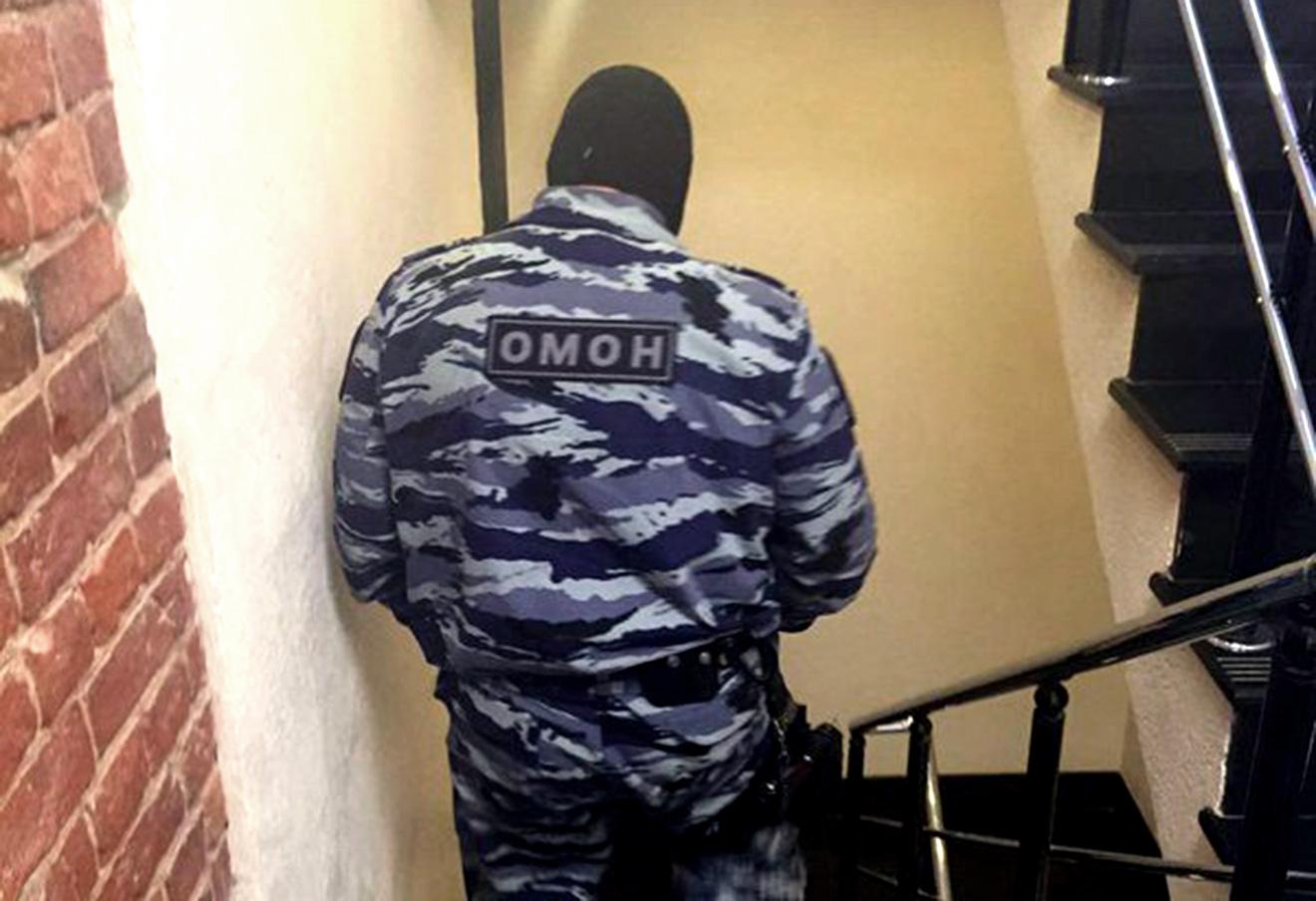ОМОН в офисе Открытой России, 22 декабря 2015 года