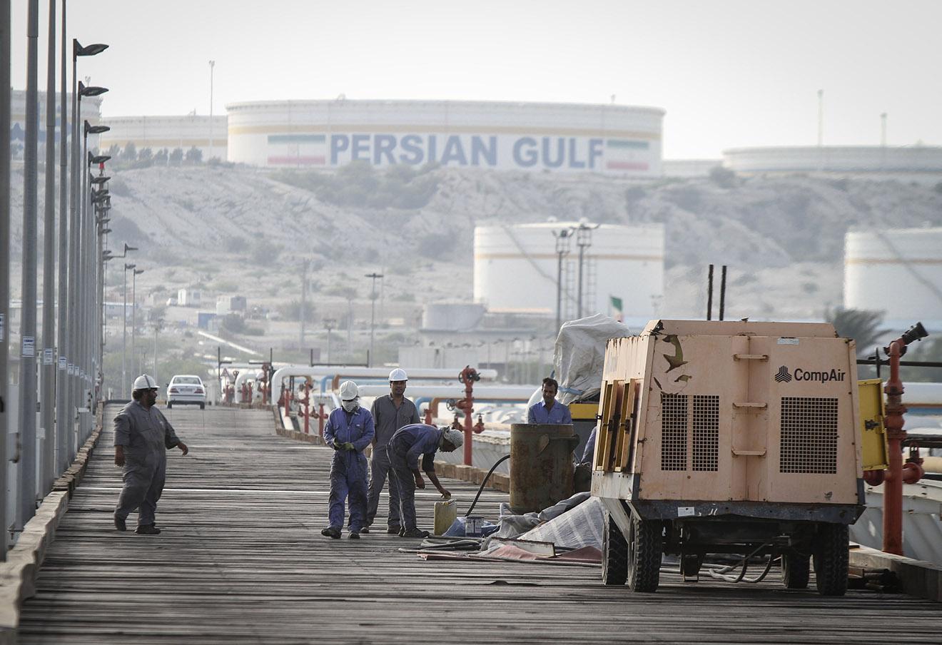 Нефтяной терминал иранской компании Iranian Oil Terminals Company на острове Харк.