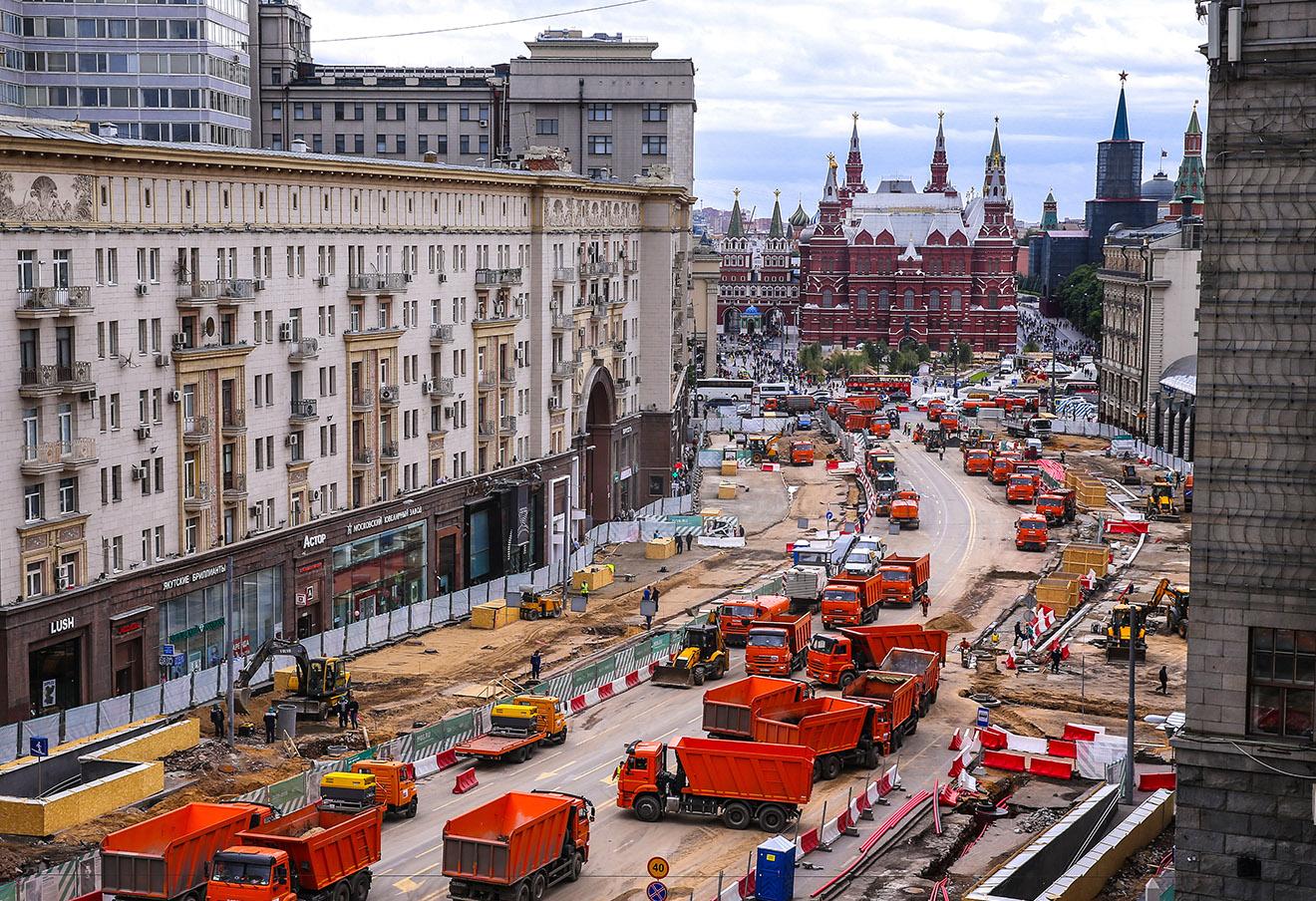 Во время работ по реконструкции Тверской улицы.