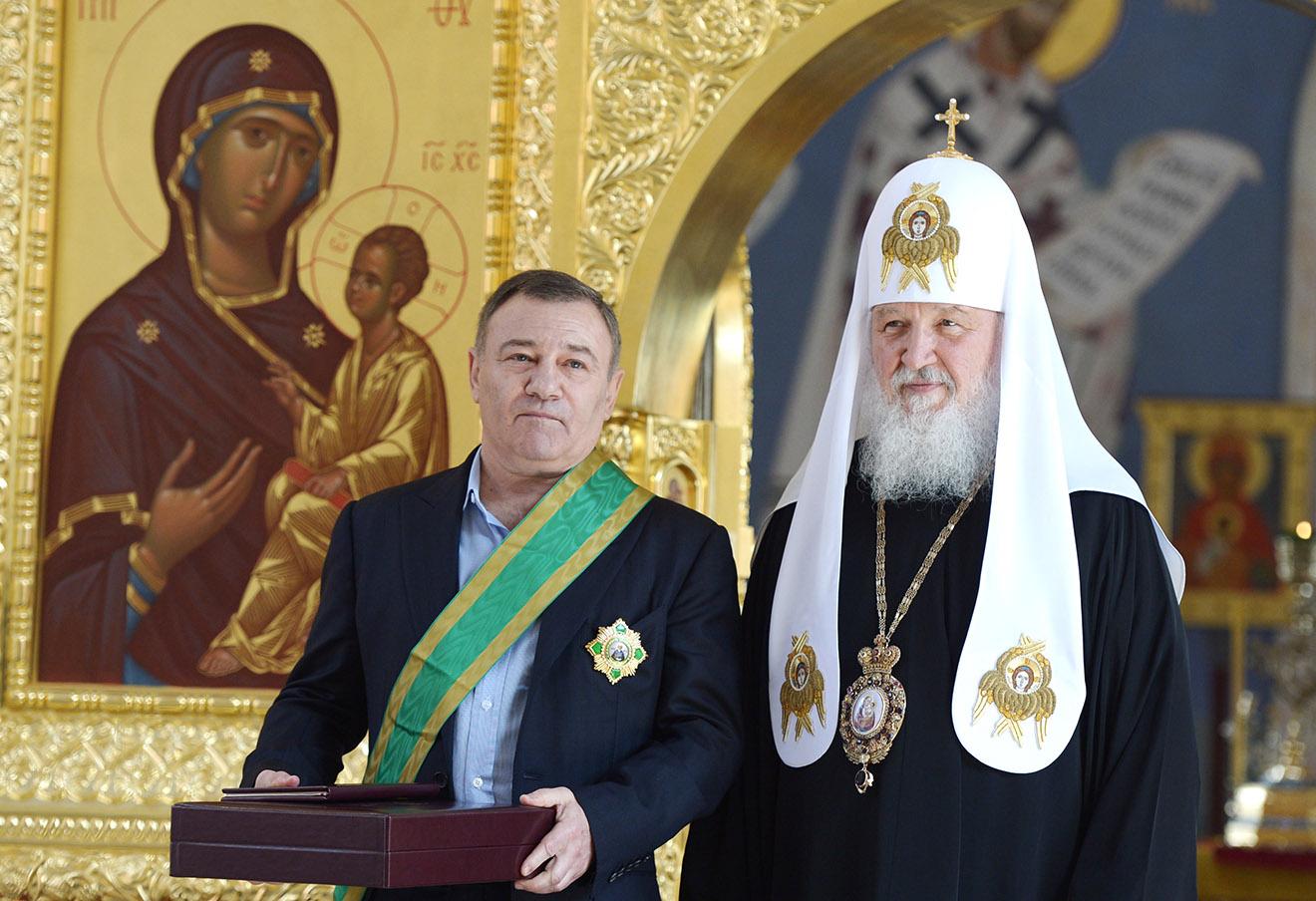 Аркадий Ротенберг и патриарх Московский и всея Руси Кирилл.