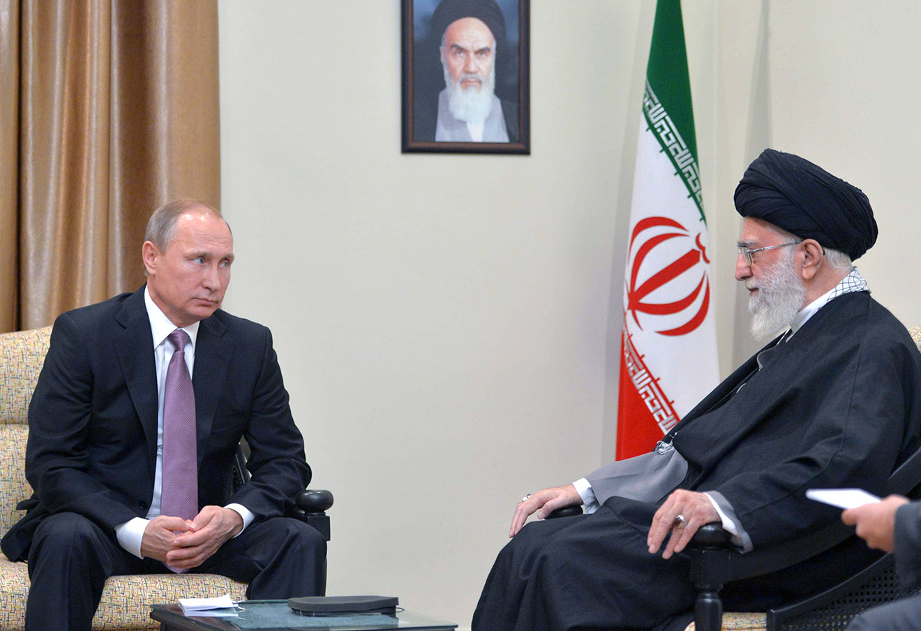 Владимир Путин и Али Хаменеи, 23 ноября 2015 года.