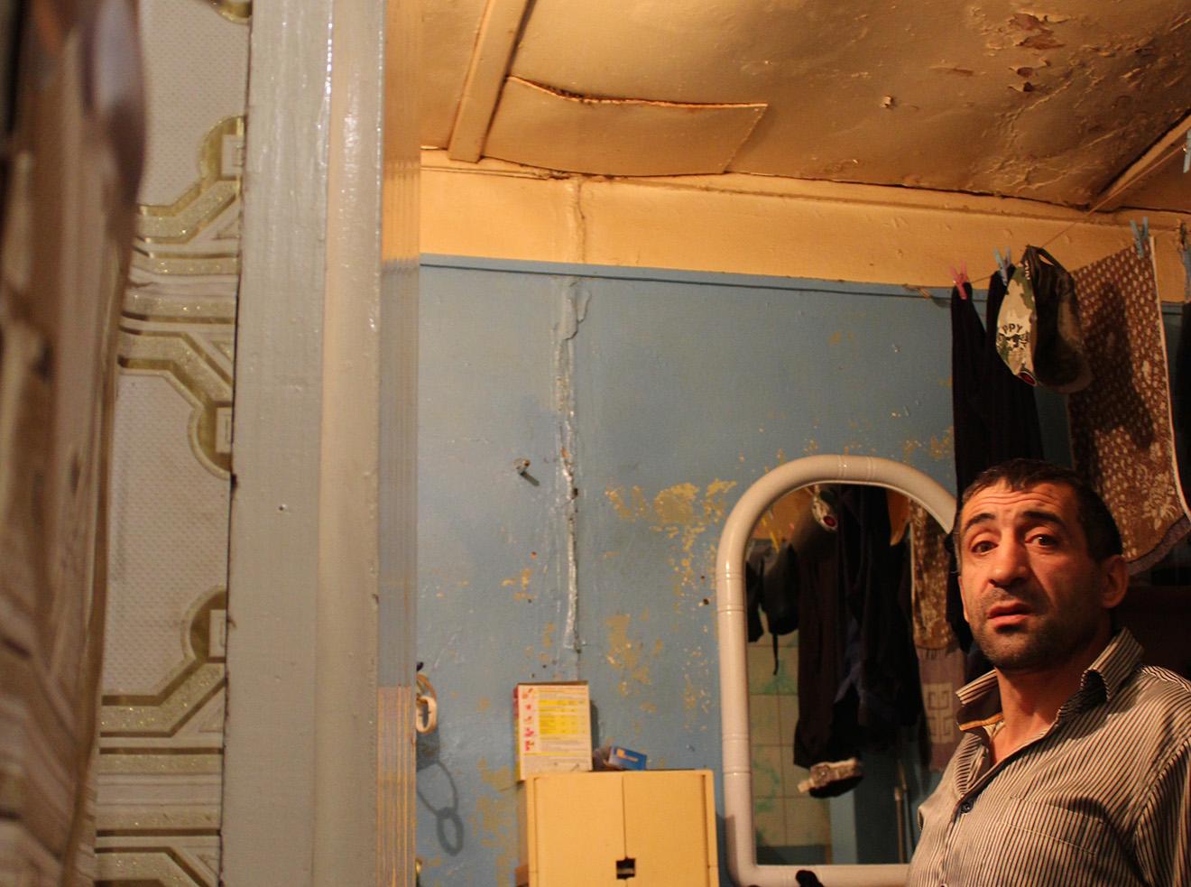 Ванная комната в квартире Мусы Мамедова. Фото: Елена Новоселова
