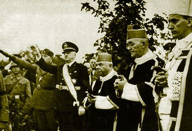 Алоизие Степинац (крайний справа)