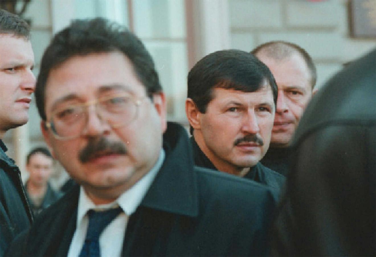 Лидер кооператива «Озеро» Владимир Смирнов с лидером тамбовской банды Владимиром Кумариным.