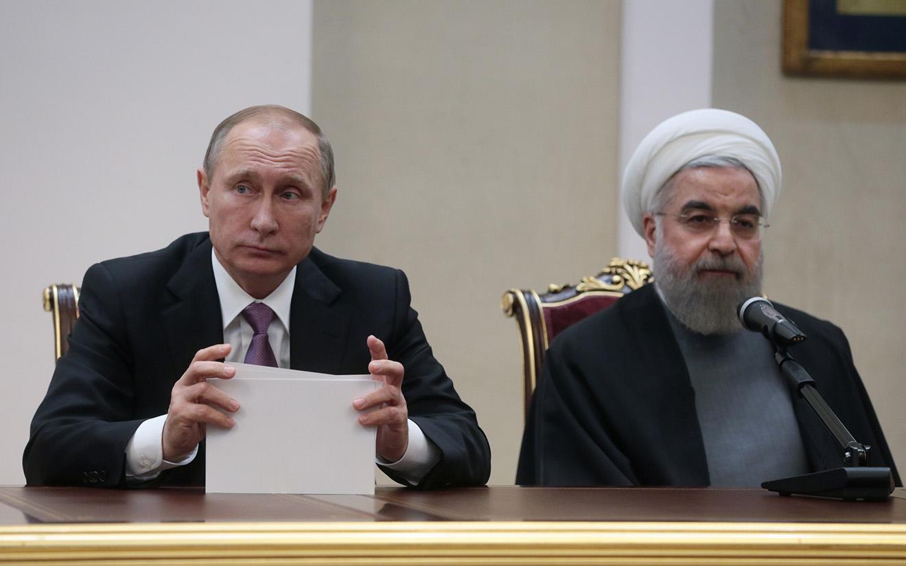 Владимир Путин и президент Ирана Хасан Рухани на совместной пресс-конференции. Тегеран, 2015 год.
