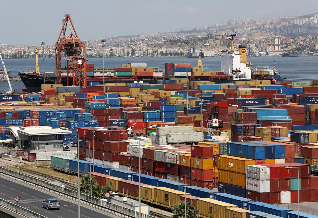 Порт Измир.