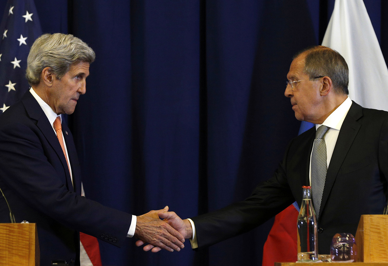 Госсекретарь США Джон Керри и министр иностранных дел России Сергей Лавров на пресс-конференции в Женеве, посвященной войне в Сирии. 9 сентября 2016. Фото: Kevin Lamarque / AP