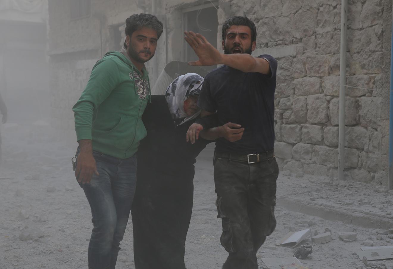 Последствия авиаударов в Алеппо, 17 августа 2016 года. Фото: Osama Jumaa / Zuma / ТАСС