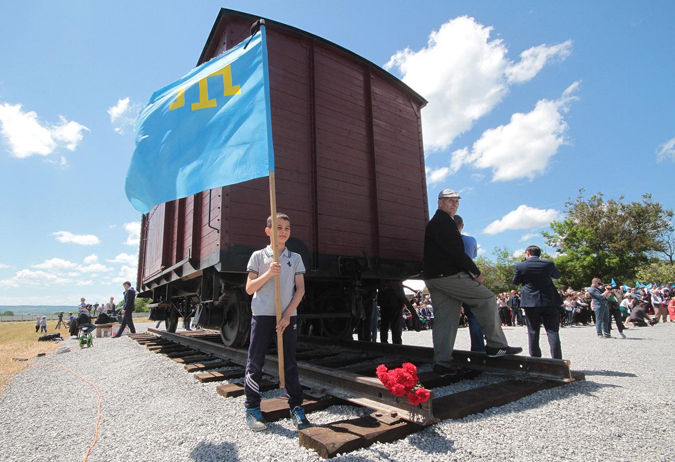 Открытие мемориала жертвам депортации в Крыму. Фото: Алексей Павлишак / ТАСС
