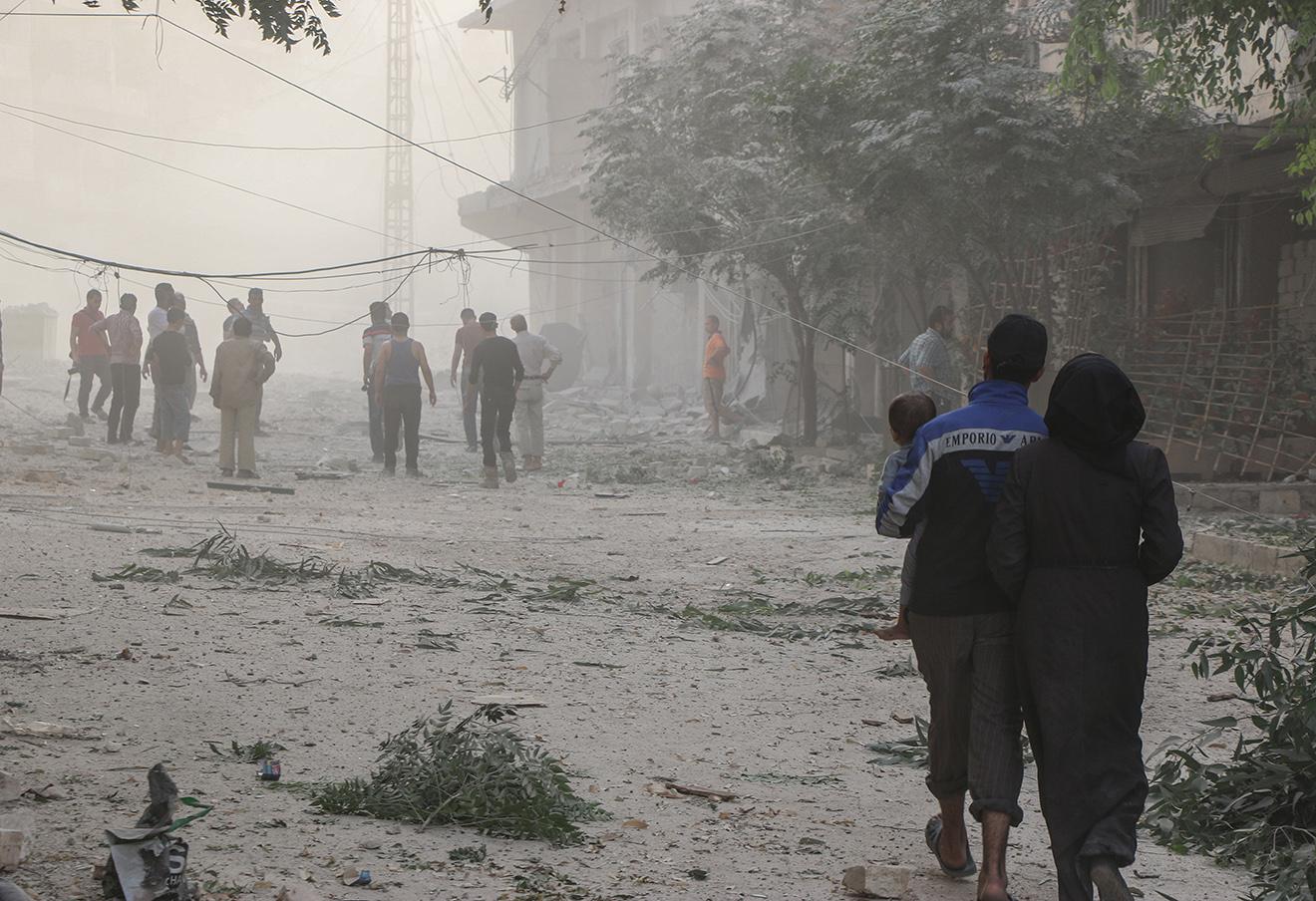 Последствия российских авиаударов по Алеппо, 2 октября 2016. Фото: Basem Ayoubi / ТАСС