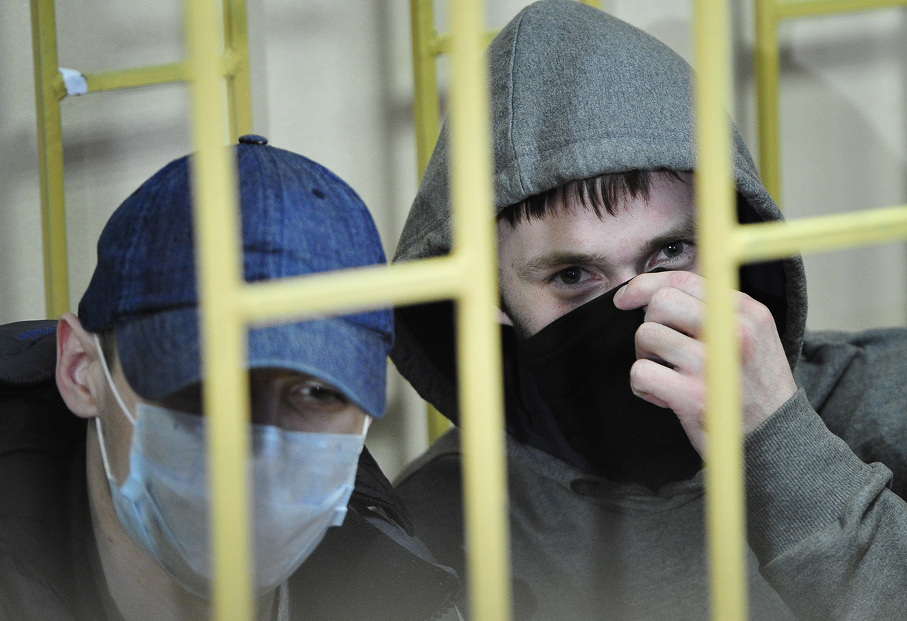 Оглашение вердикта по делу «Приморских партизан». Максим Кириллов и Александр Ковтун (слева направо), 2014 год.