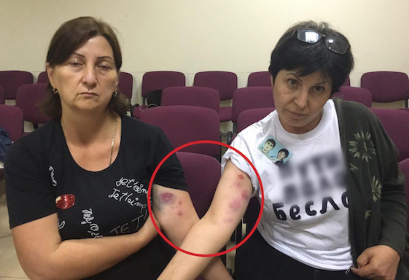 В Беслане за майки с упоминанием Путина задержали матерей ... - photo#12