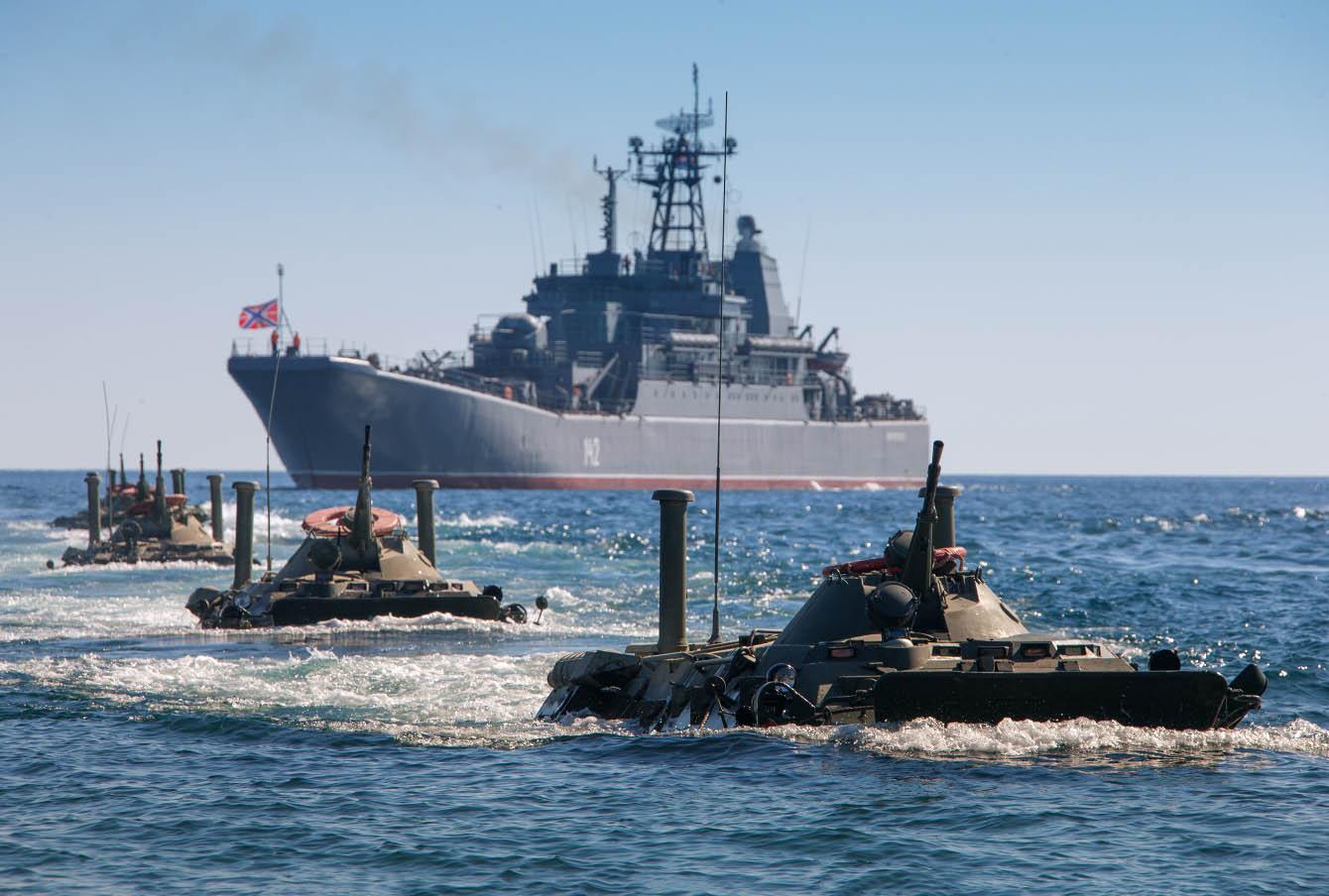 Десантирование с корабля «Новочеркасск», учения «Кавказ–2012»