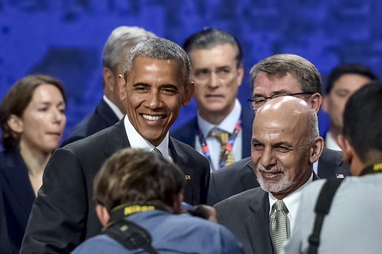 Барак Обама и президент Афганистана Ашраф Гани на саммите НАТО в Варшаве.