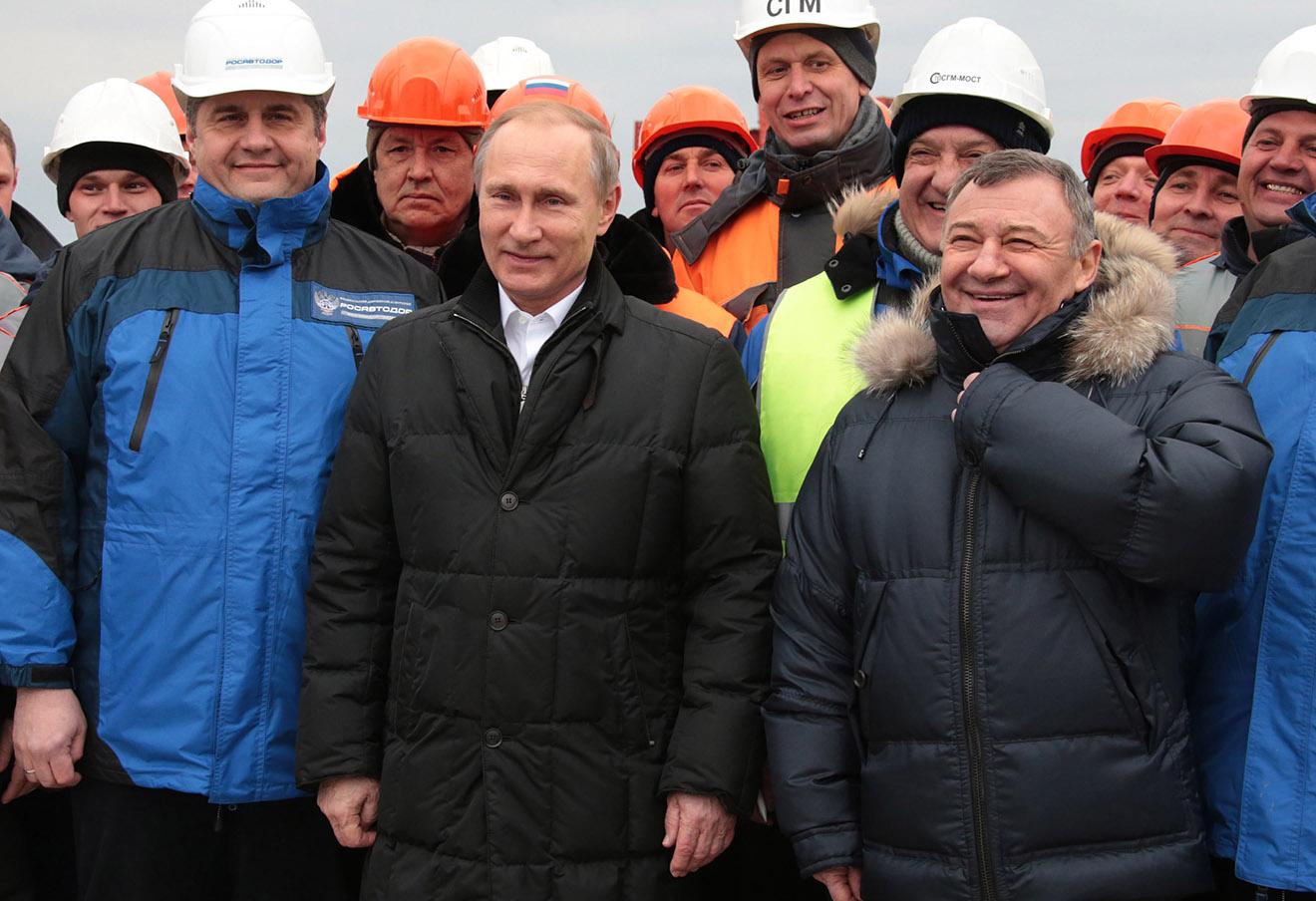 Владимир Путин и Аркадий Ротенберг (на переднем плане).