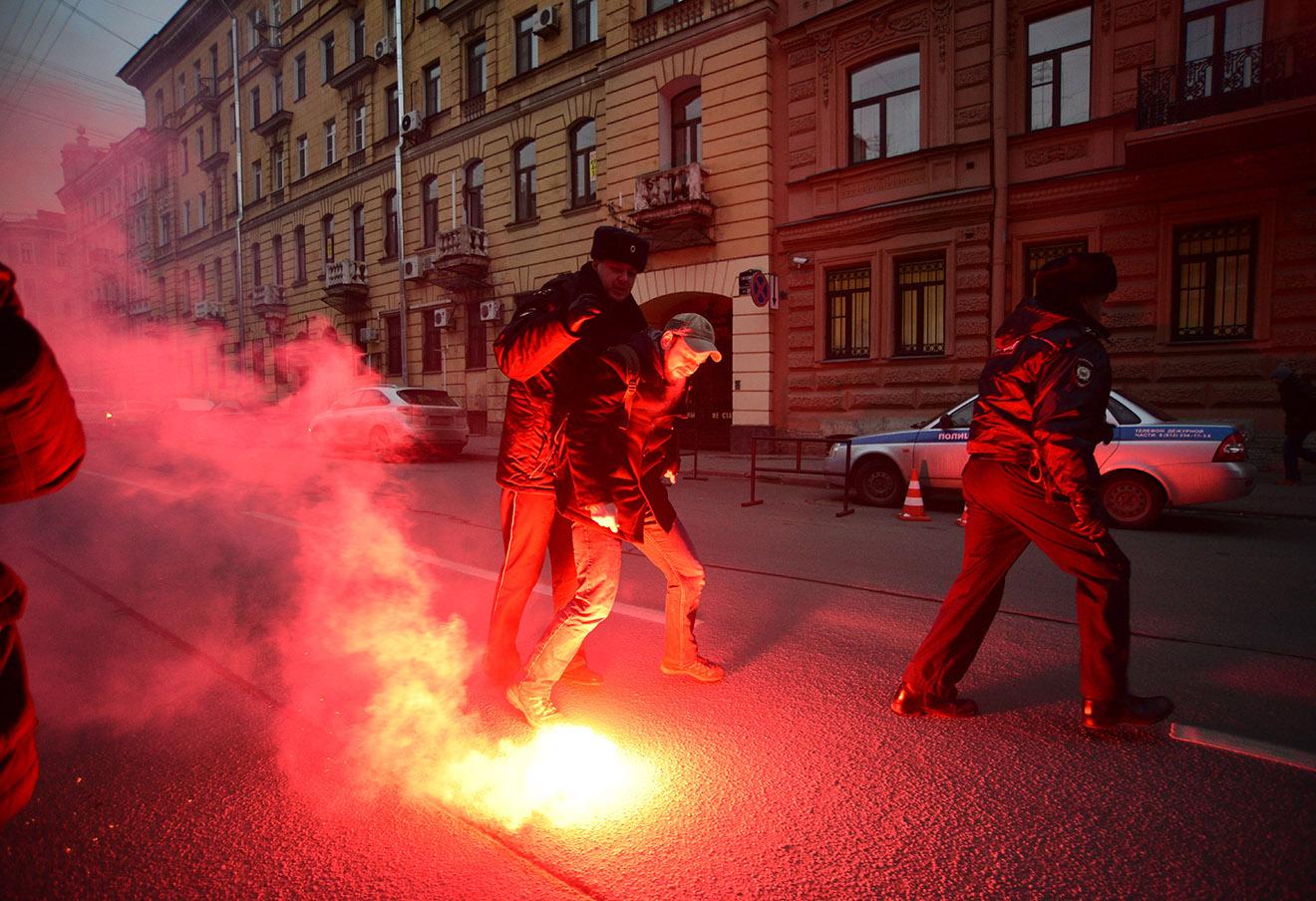 Акция протеста у посольства Турции в Санкт-Петербурге, ноябрь 2015 года.