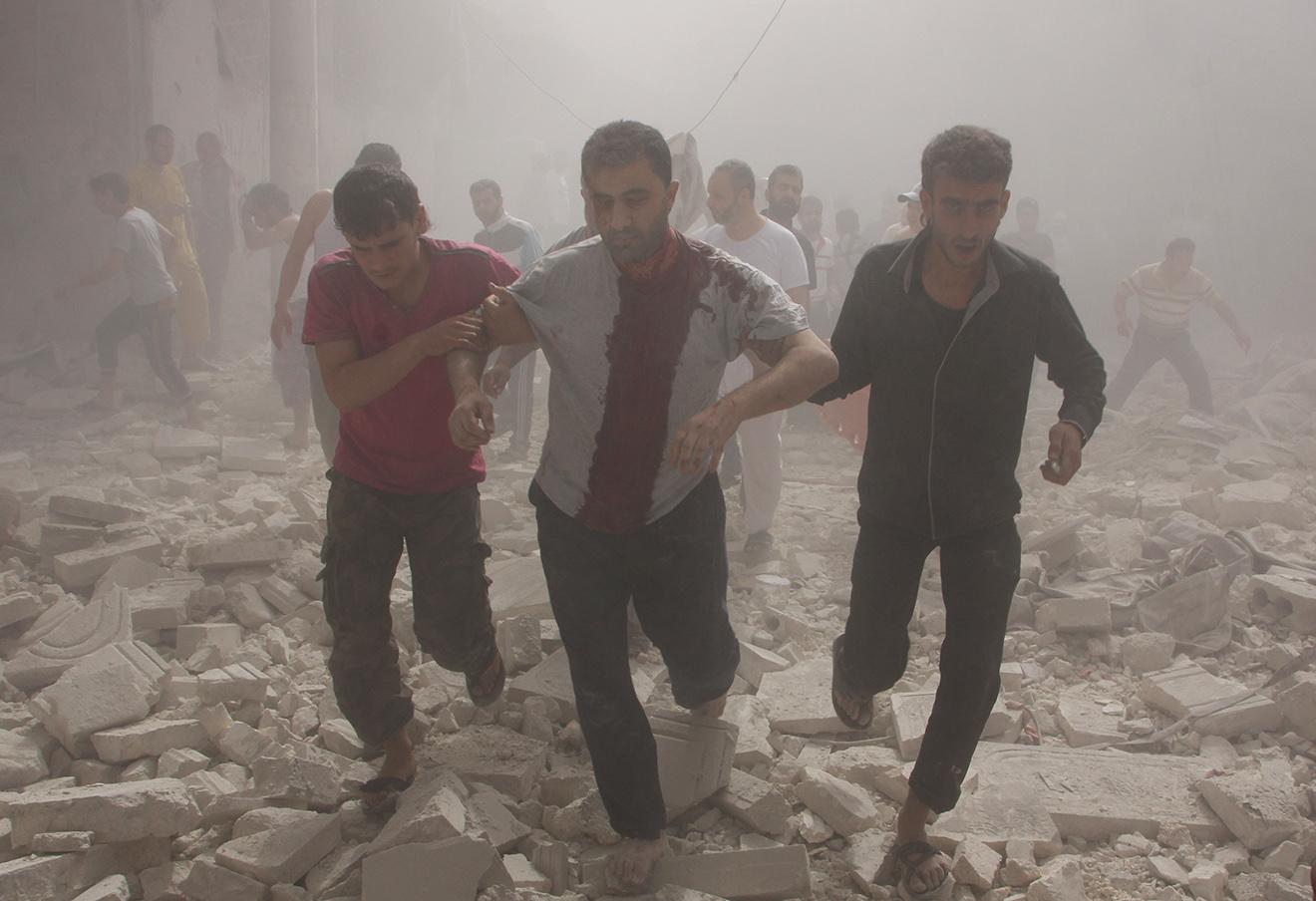 Последствия атаки сирийской армии в Алеппо. Фото: Ameer Al-Halbi / ТАСС