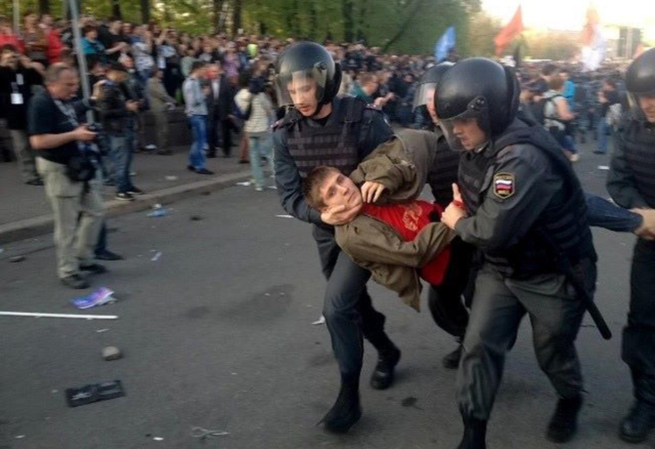 Максим Панфилов на Болотной площади.