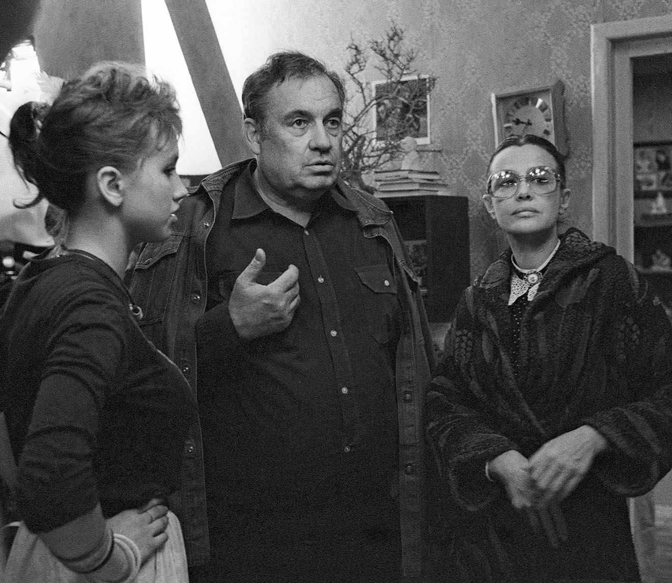Марина Неелова, Эльдар Рязанов и актриса Наталья Щукина (справа налево), 1987 год.
