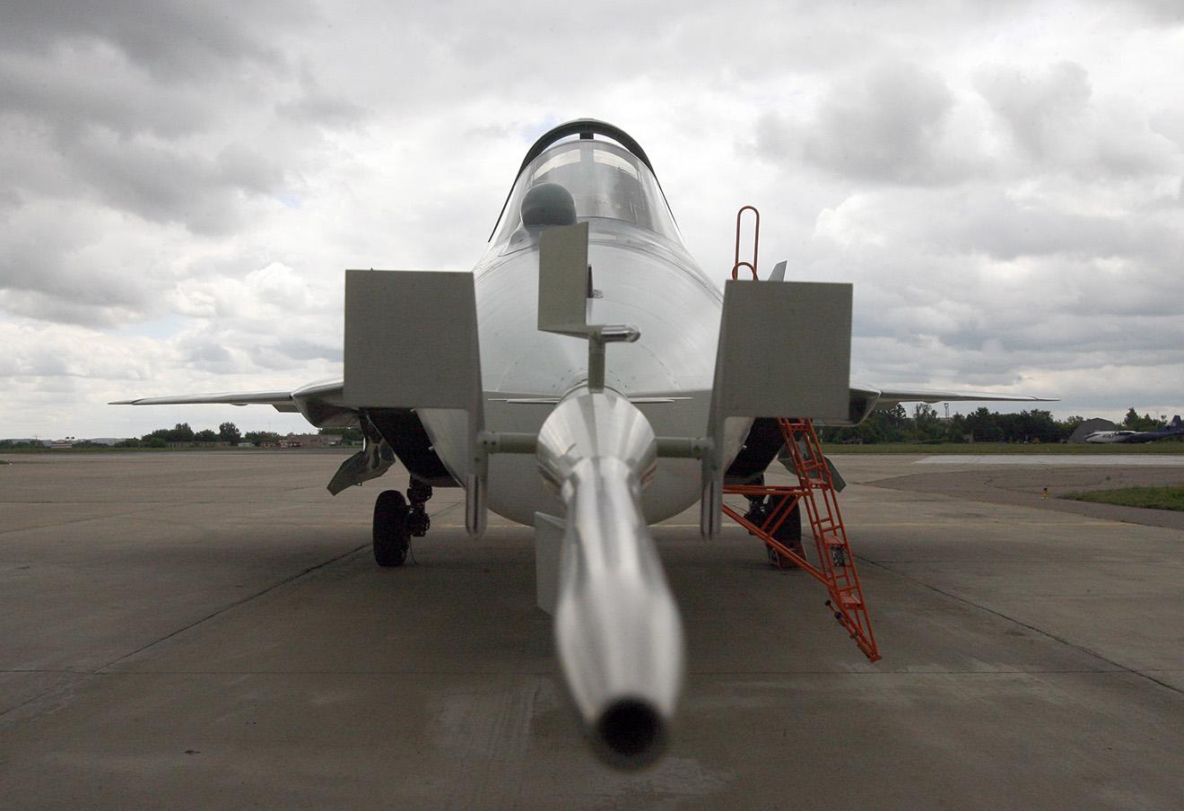 Истребитель пятого поколения Т-50 на аэродроме им.Громова в Жуковском, 2010 год.