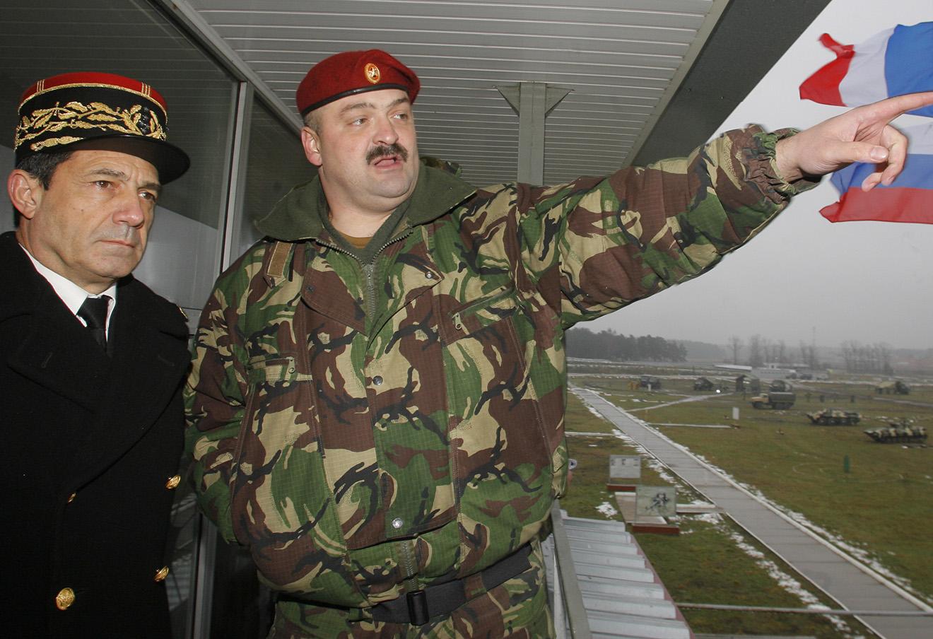 Сергей Меликов (справа).