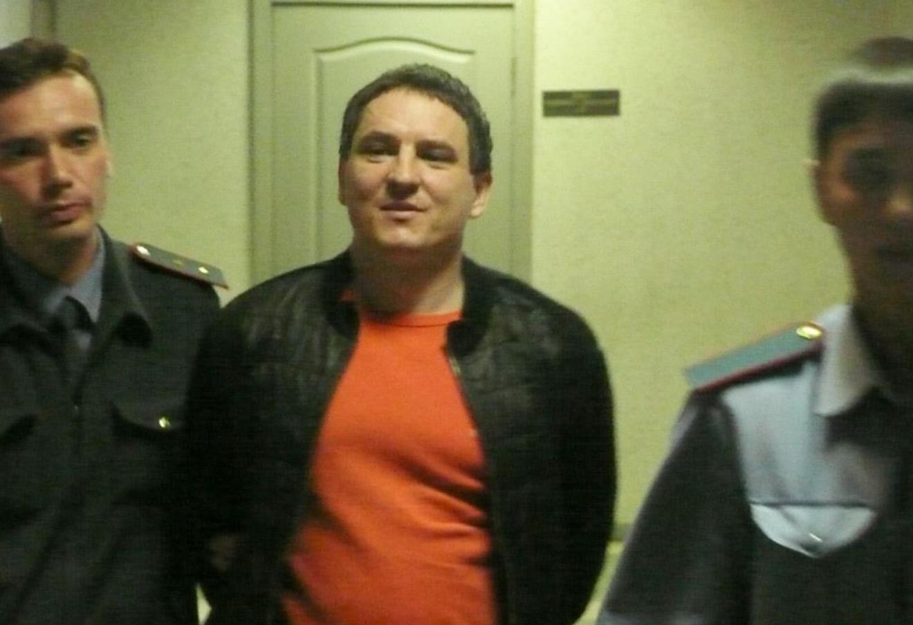 Алексей Соколов в коридоре Ленинского районного суда 2 августа 2009 года.