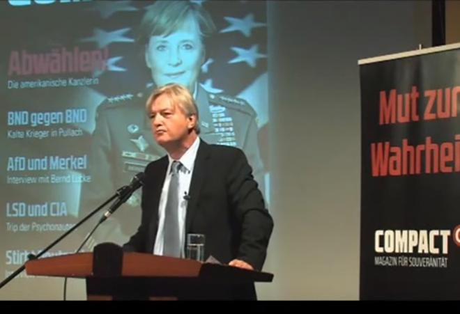 Юрген Эльзессер, главный редактор журнала «COMPAKT». Кадр: Youtube