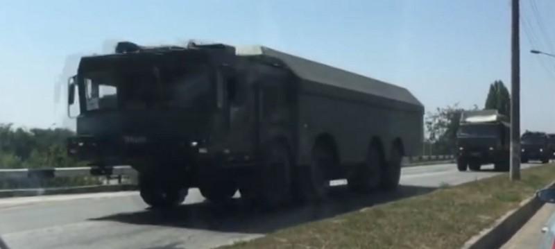 Ракетный комплекс «Бастион-П» на шоссе в окрестностях Симферополя 8 августа