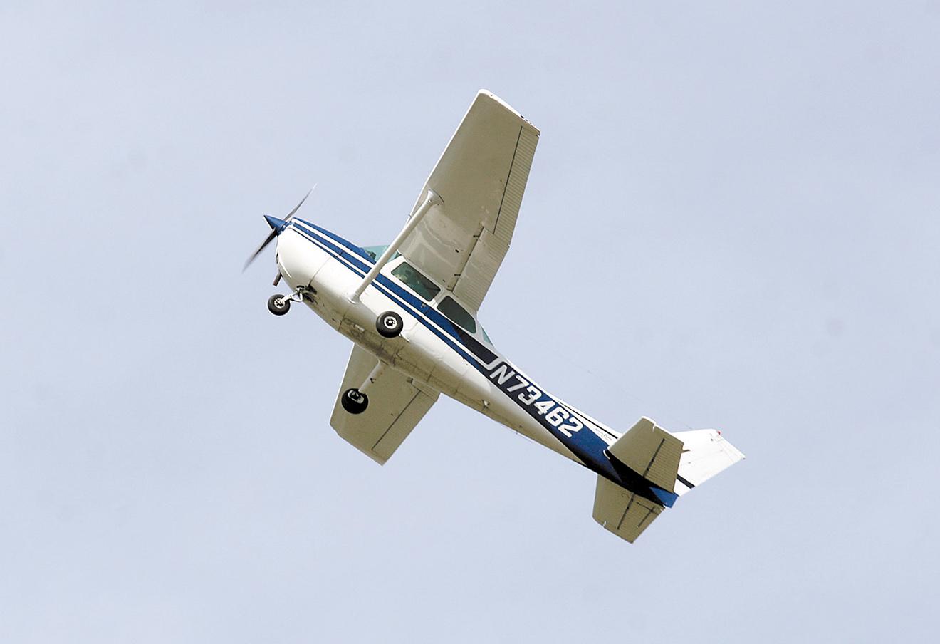 Самолет Cessna-172.
