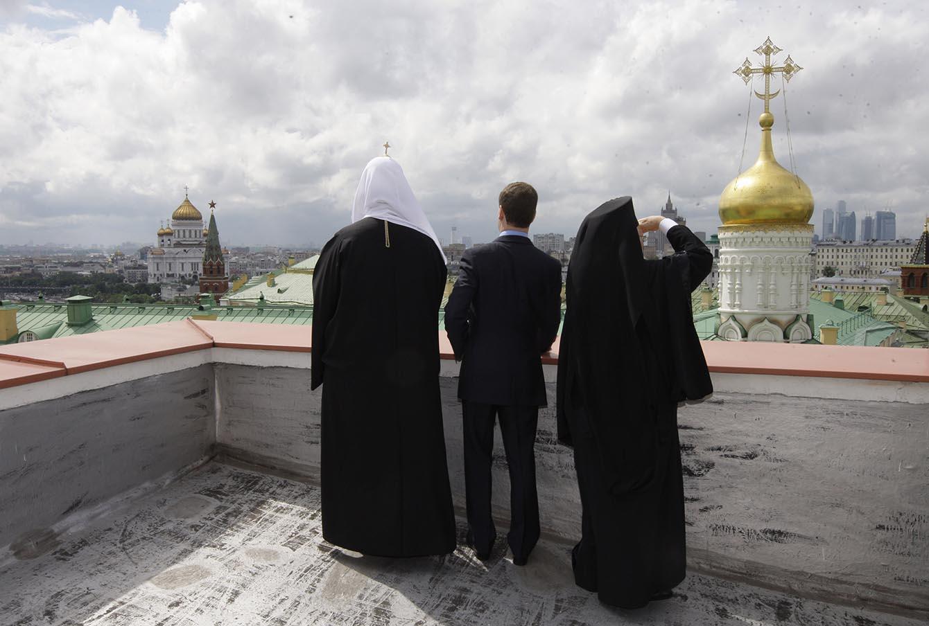 Патриарх Кирилл с президентом Дмитрием Медведевым и патриархом константинопольским Варфоломеем, 2010 год