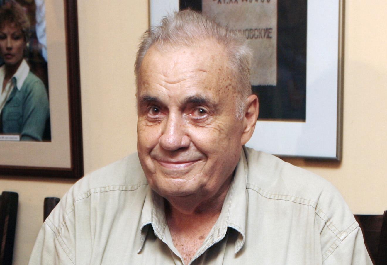 Режиссер Эльдар Рязанов в своем клубе «Эльдар».
