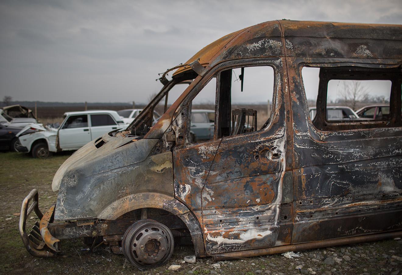 Автобус Башира Плиева после нападения.