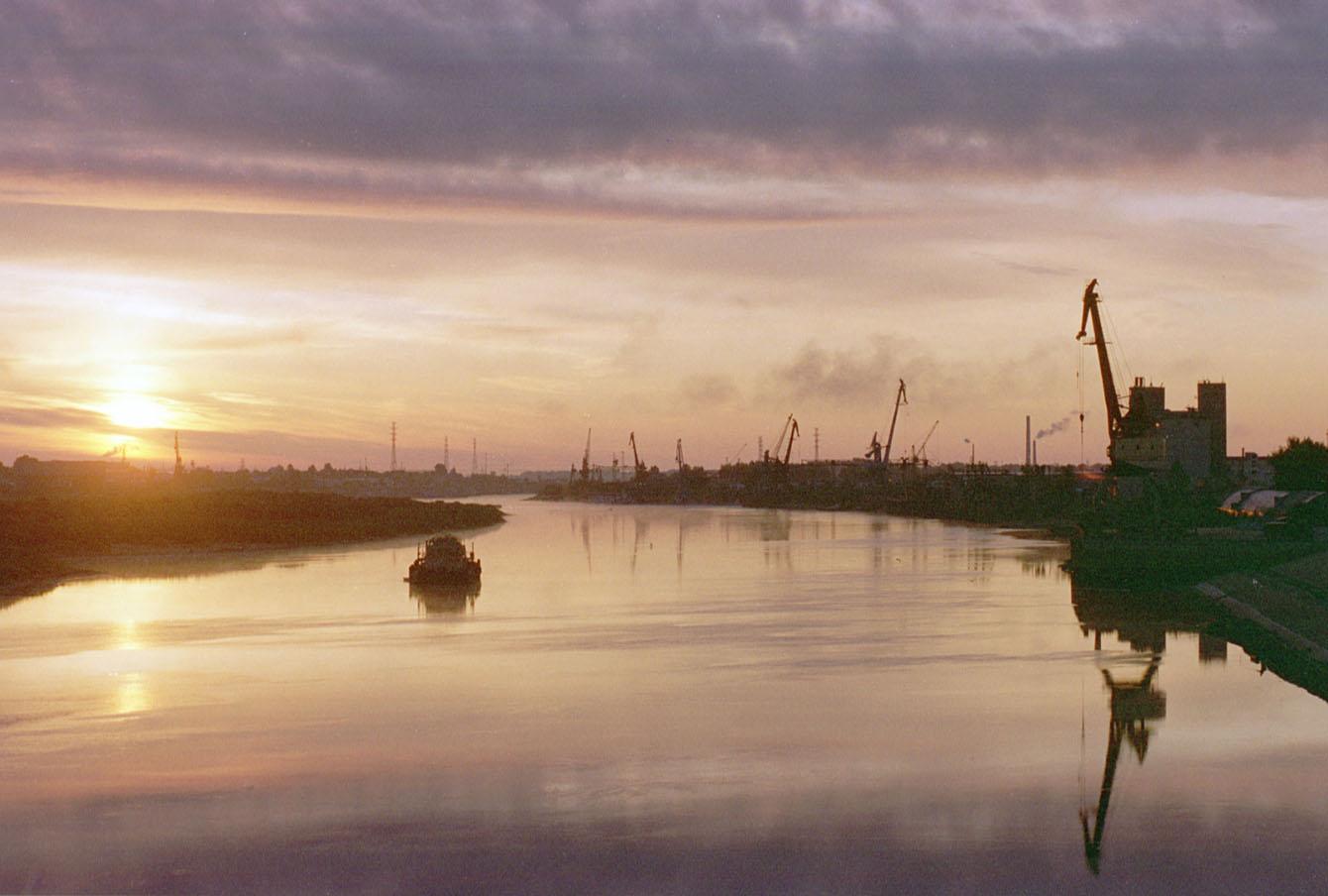 Тюменский речной порт, 1998 год.