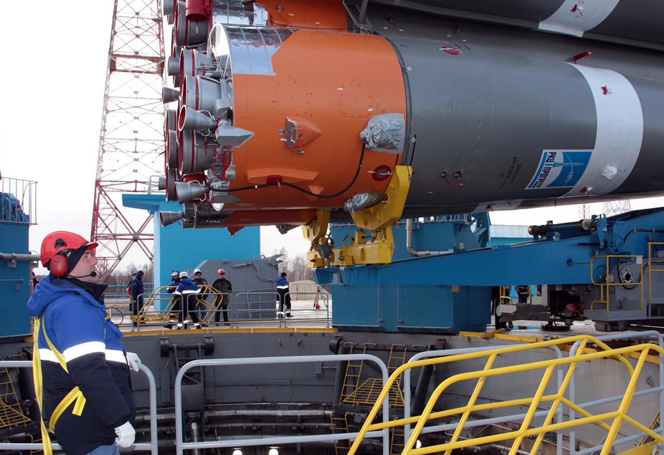Вывоз ракеты «Союз-2.1а» на стартовый комплекс космодрома Восточный.