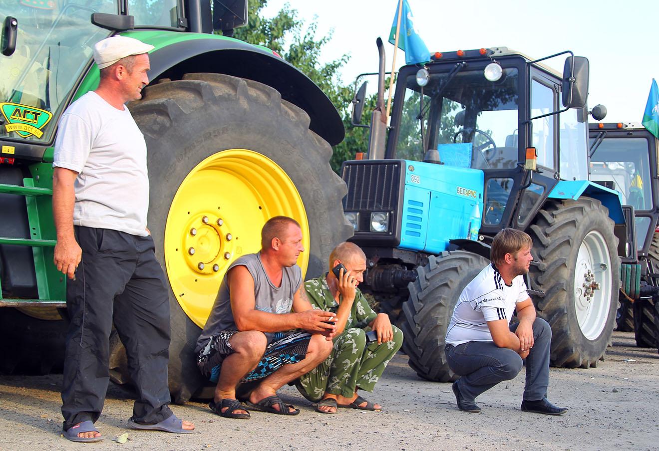 Во время задержания фермеров в Ростовской области, 23 августа 2016 года. Фото: Федор Ларин / ТАСС