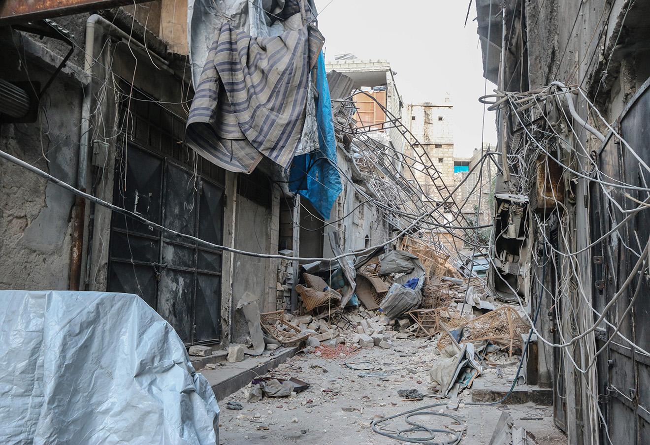 Последствия боевых действий в Алеппо. Фото: Basem Ayoubi / Zuma / ТАСС