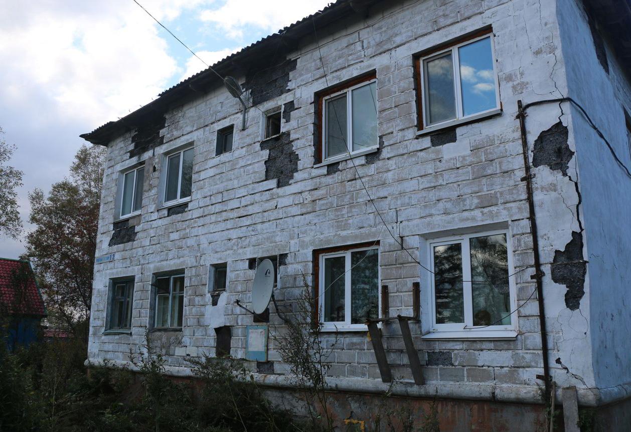 Забытый дом в селе Лиственничном. Фото: Фина Сафонова