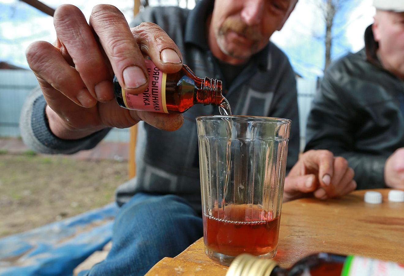 Настойка боярышника. Фото: Владимир Смирнов / ТАСС